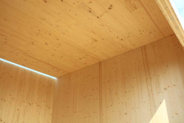 Montage von Brettsperrholz-Elementen